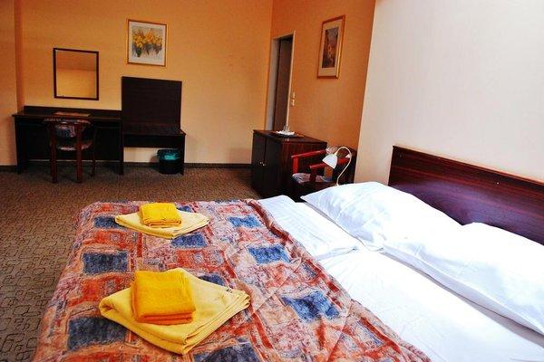 Отель Victor - фото 1