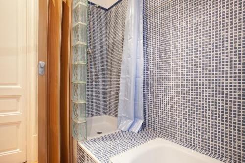 Modernist Apartment Barcelona - фото 11