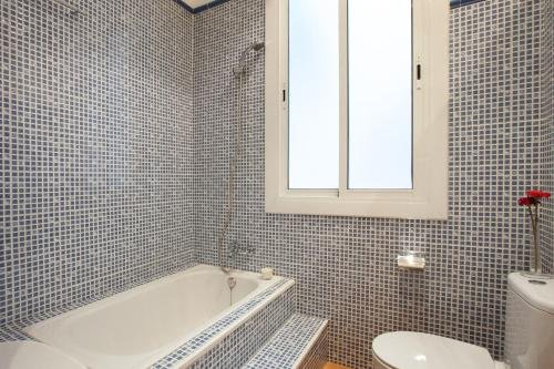 Modernist Apartment Barcelona - фото 15