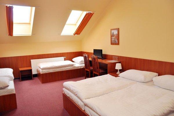 Hotel Zlata Vaha - фото 1