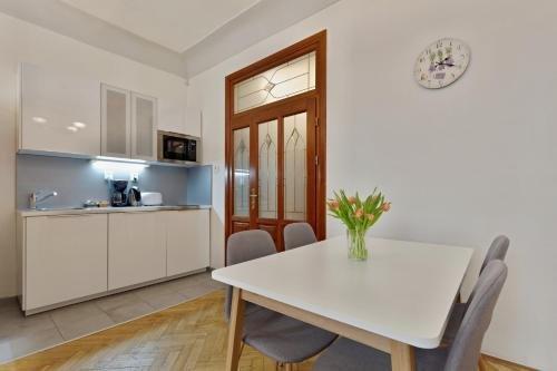 Karlova Prague Apartments - фото 13