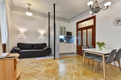 Karlova Prague Apartments - фото 9