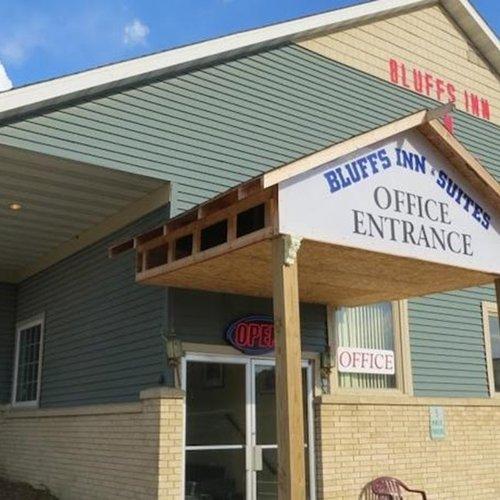Photo of Bluffs Inn and Resort Decorah