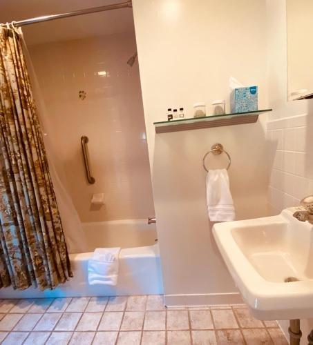 Photo of The Roger Sherman Inn