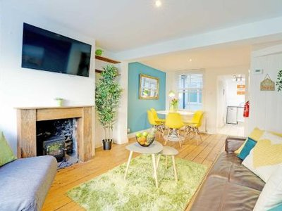 Sunny Cottage - Central Brighton Lanes - Sleeps 2 to 6 guests