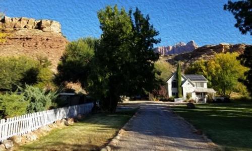 Photo of 2 Cranes Inn - Zion