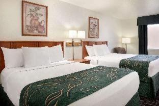 Photo of Travelodge by Wyndham Clinton Valley West Court