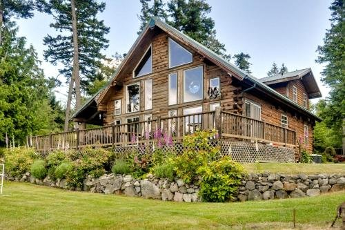 Photo of Log Home on Lopez-Spencer Spit