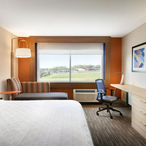 Photo of Holiday Inn Express and Suites Nebraska City