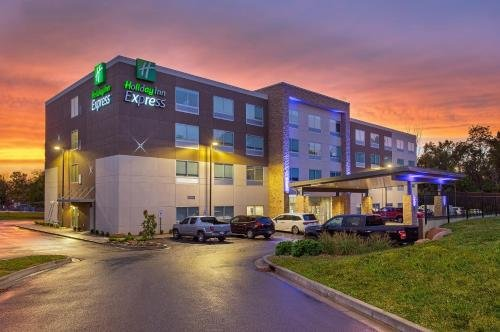 Photo of Holiday Inn Express Williamsburg, an IHG Hotel