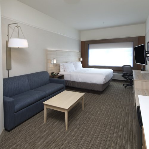 Photo of Holiday Inn Express & Suites - Auburn, an IHG Hotel