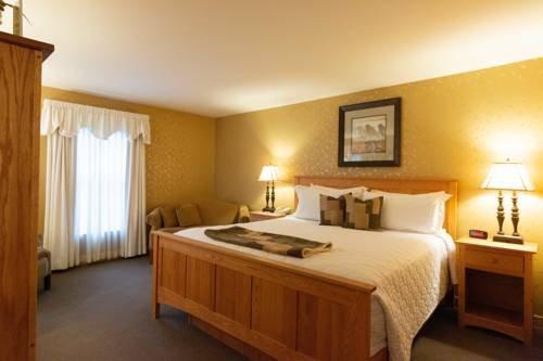Photo of Essenhaus Inn & Conf. Center