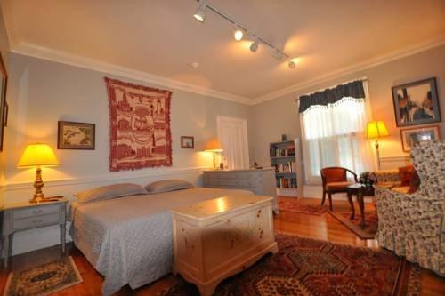 Photo of Empire Suite