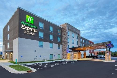 Photo of Holiday Inn Express & Suites - La Grange, an IHG Hotel