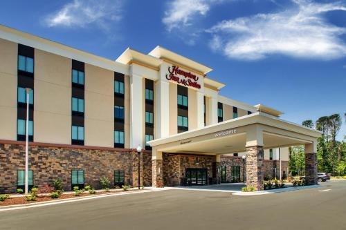 Photo of Hampton Inn & Suites By Hilton Southport