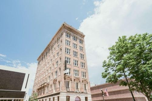 Photo of The Esquire Hotel Downtown Gastonia, Ascend Hotel Collection