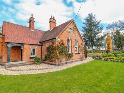 South Lodge - Longford Hall Farm Holiday Cottages