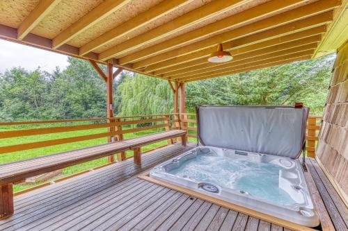 Photo of 2 Bed 2 Bath Vacation home in Covington