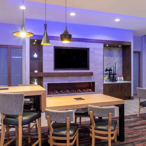 Photo of La Quinta Inn & Suites by Wyndham Greensboro Arpt High Point