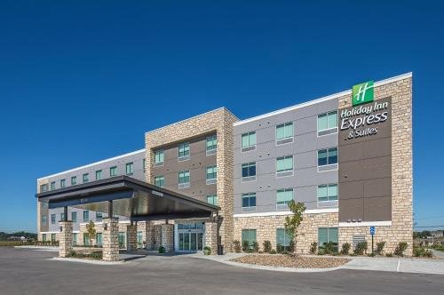 Photo of Holiday Inn Express & Suites - West Omaha - Elkhorn, an IHG Hotel