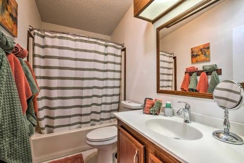 Photo of Lovely Updated Home with Community Amenities and Lanai!