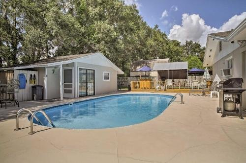 Photo of Fern Park House with Pool - New Patio and Fire Pit!