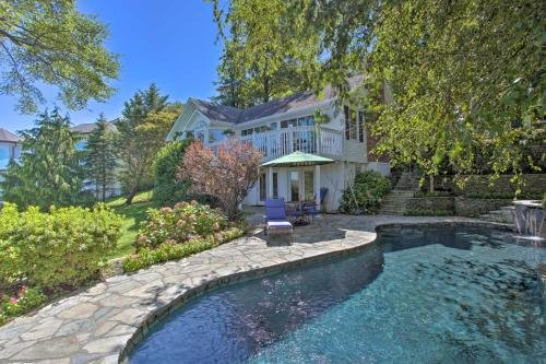 Photo of Sandy Hook Retreat with Stunning Waterfront View