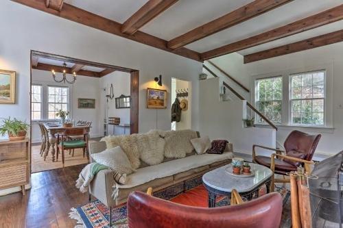 Photo of Enchanting Hudson Valley Cottage Near Hiking!