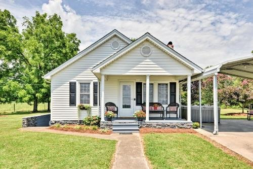 Photo of Picturesque Elkin Shady Oaks Farmhouse with Hot Tub