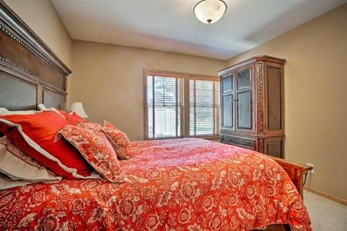 Photo of Conneaut Lake Home with Fire Pit about half Mi to Beach and Park