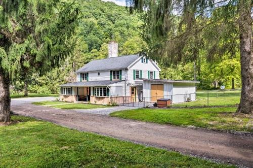 Photo of Emporium Colonial Home with Large Yard and Fire Pit!