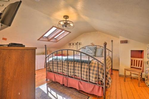 Photo of Southwestern Kanab Cottage with Patio and Views!