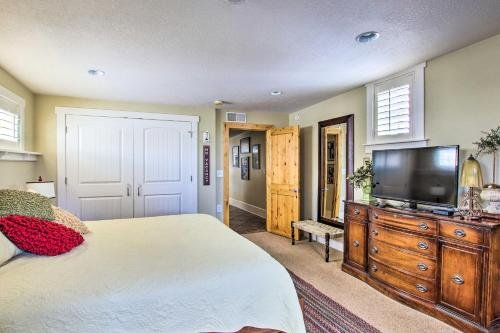 Photo of The Loft on Center Downtown Logan Apt with Deck!