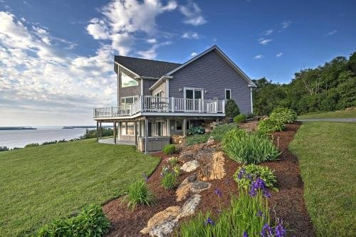 Photo of Waterfront Lake Champlain Home with Hot Tub and Sauna!