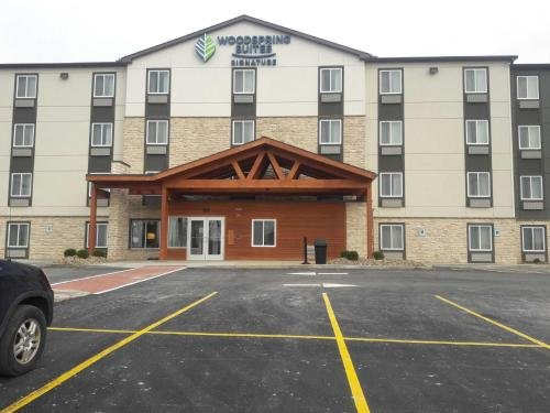 Photo of WoodSpring Suites Pittsburgh Cranberry