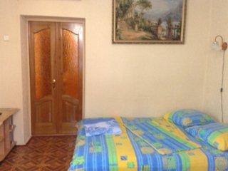 Фото отеля 2-комнатная квартира с отдельным входом в частном секторе