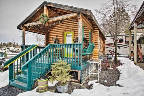 Photo of Homey Winchester Studio Cabin with Kitchenette!