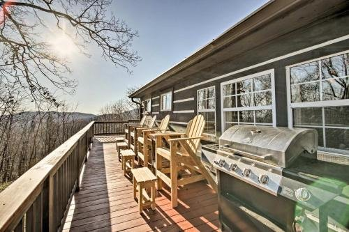 Photo of Moravian Falls Cabin with Brushy Mtn View and Fire Pit