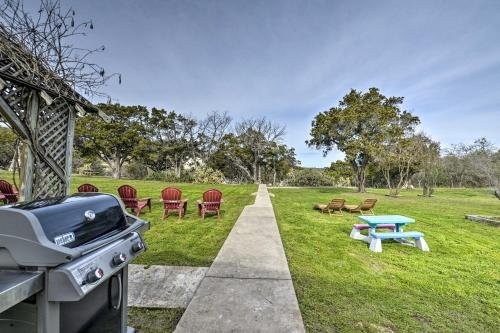 Photo of Mid-Century Lake Whitney Home with Private Dock and Yard!
