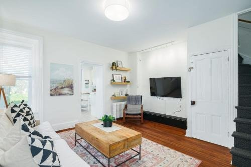 Photo of Guest Apartment in Row Home with Backyard Patio