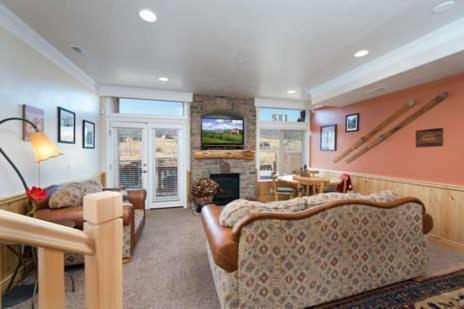 Photo of 2 Bedroom Huntsville, Utah Vacation Rental near Snowbasin LS 19