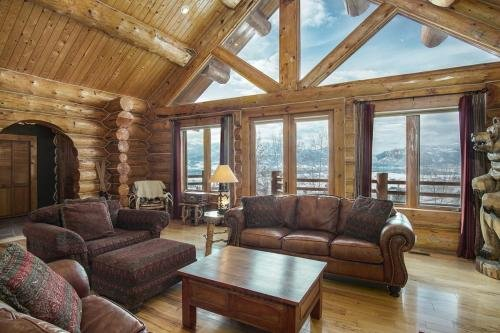 Photo of 4 Bedroom Mountain Cabin in Huntsville Utah Sleeps 10 Home M