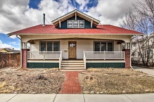 Photo of Laramie Home with Backyard quarter Mi to Univ of WY!