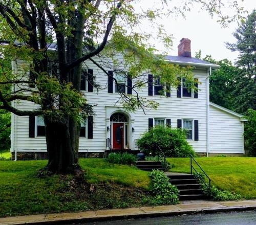 Photo of Gardner Farm Inn