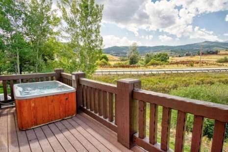 Photo of 2 Bedroom Condo Vacation Rental in Huntsville, Utah, LS 18
