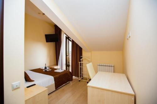 Отель София - фото 1