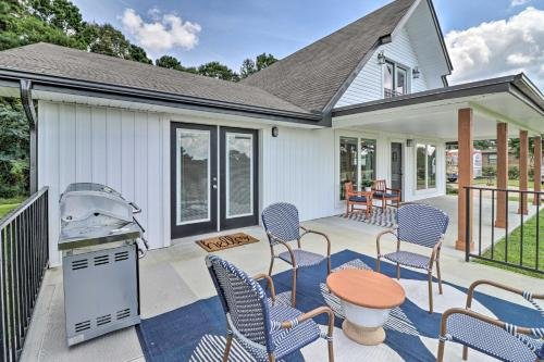 Photo of Chic Lakehouse with Deck, Fire Pit, Walk to Golf