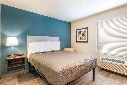 Photo of WoodSpring Suites Linden