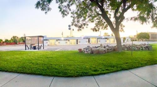 Photo of Blue Sage Inn & Suites