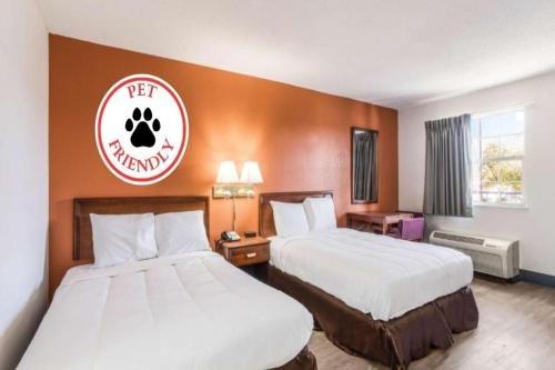Photo of Motel 6 Madisonville, Ky - Morton'S Gap